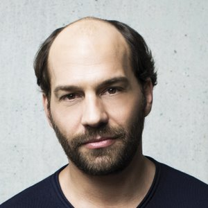 prothèse-dermofusion-homme-avant-8 - New Hair Institut