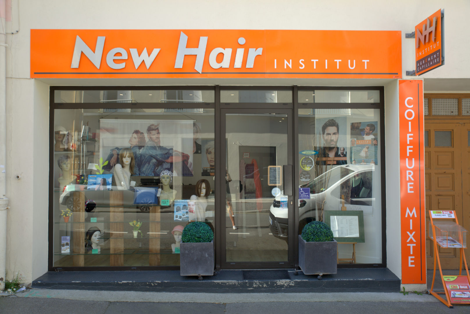 vitrine-salon-2 - New Hair Institut
